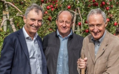New Zealand Ambassador to France visits orchards growing JAZZ Apples